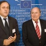 Platini pide la dimisión de Blatter