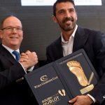 Buffon galardonado con el Golden Foot en Mónaco