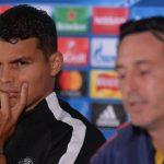Emery sale en defensa de su capitán Thiago Silva
