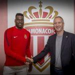 El Mónaco cierra un contrato profesional