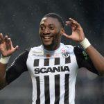 El Villarreal no pierde de vista a Toko Ekambi